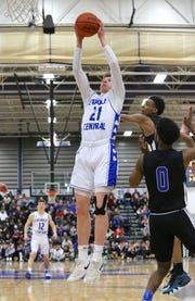 Catholic Central senior Justin Rukat scored 27 points against Lincoln.