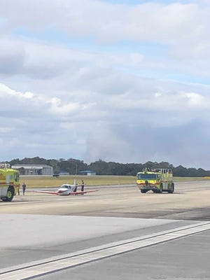 A small, single-engine private plane experienced landing gear failure at the Pensacola International Airport on Friday afternoon. No injuries were reported.