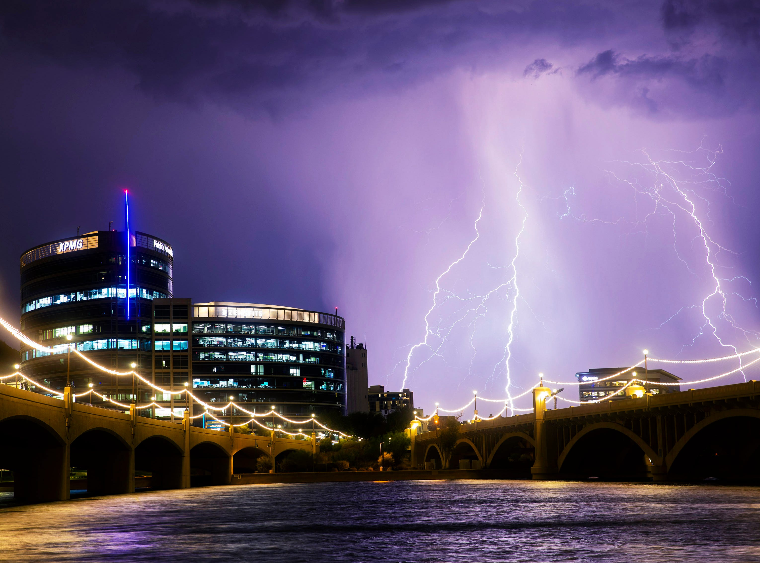 Arizonans really want to know: 'Is it safe to shower in a thunderstorm?'