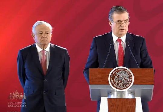 Andrés Manuel López Obrador (izq), presidente de México, junto a Marcelo Ebrard, secretario de Relaciones Exteriores de México.