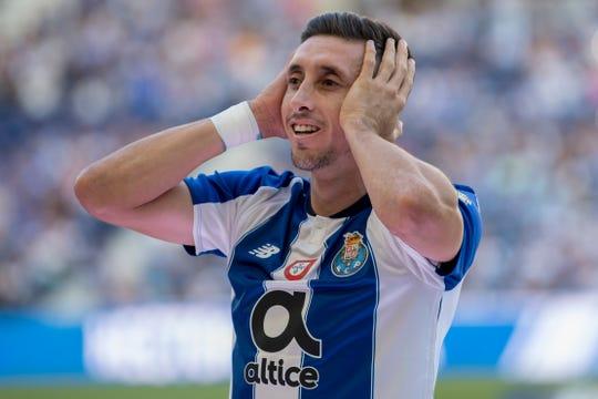 Héctor Herrera quedaría libre del FC Porto.