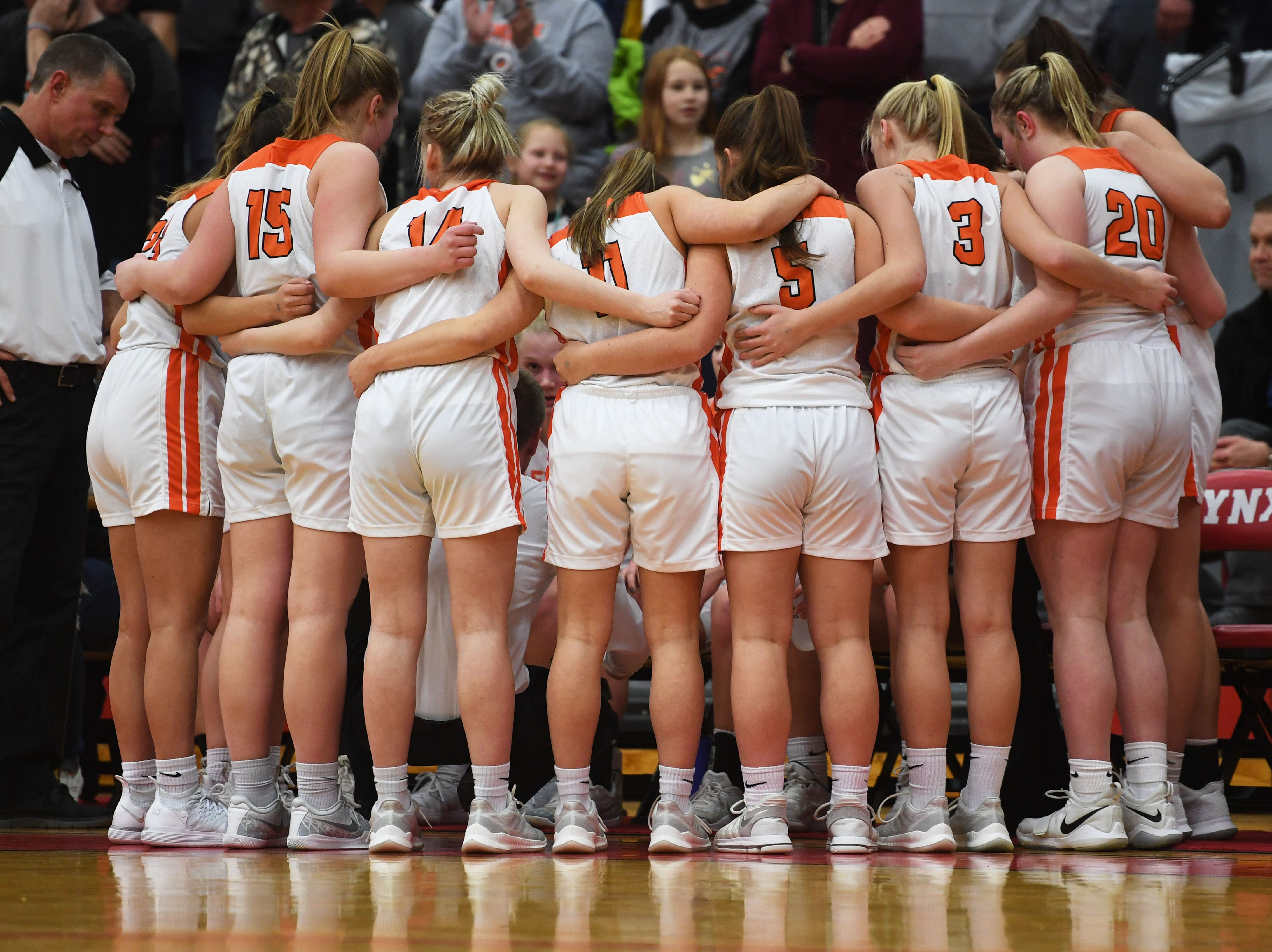 Lennox goes against Sioux Falls Christian Thursday, March 7, at Brandon Valley High School in Brandon Valley.