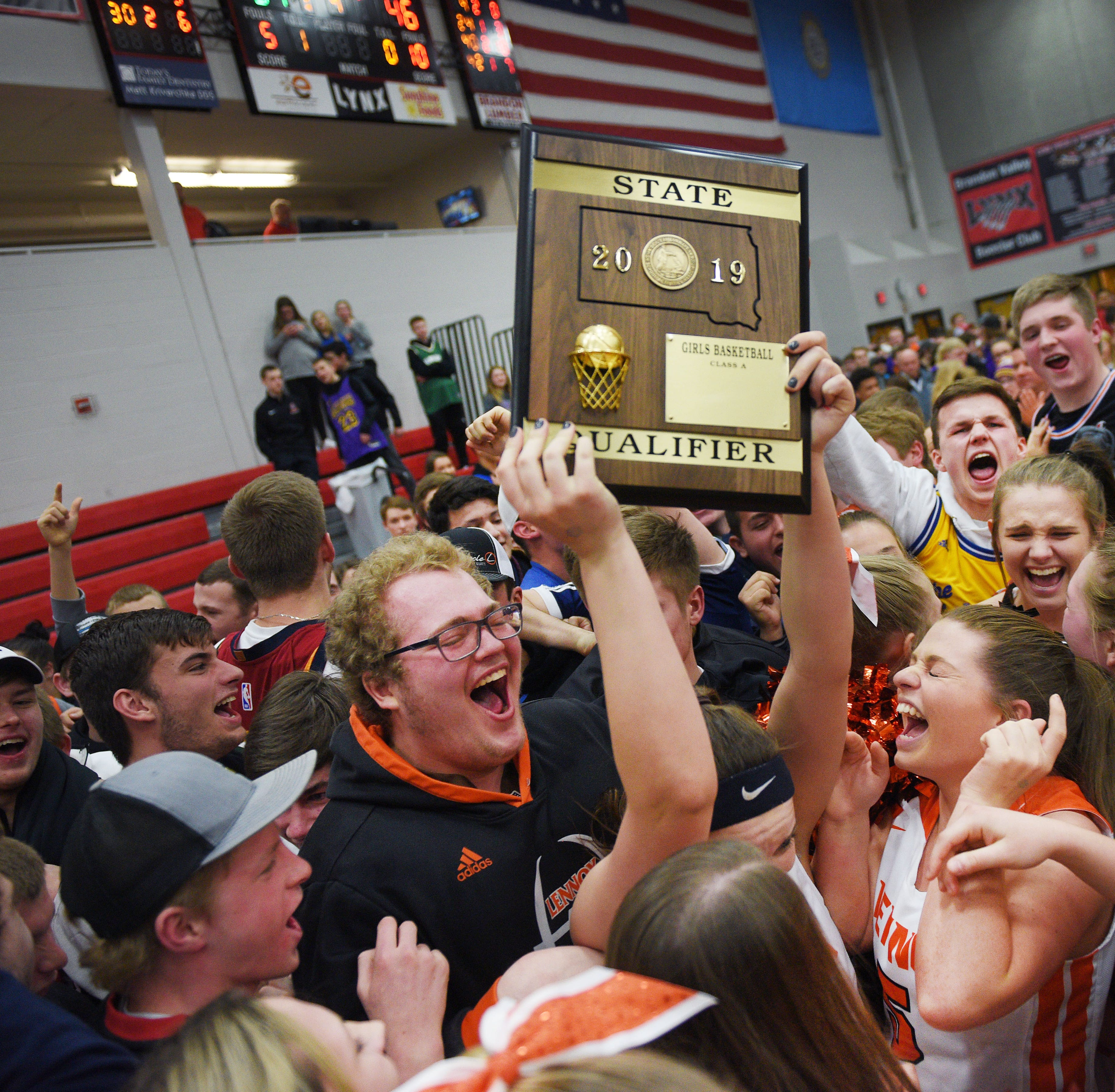 No. 6 Lennox holds off No. 11 Sioux Falls Christian to advance to state