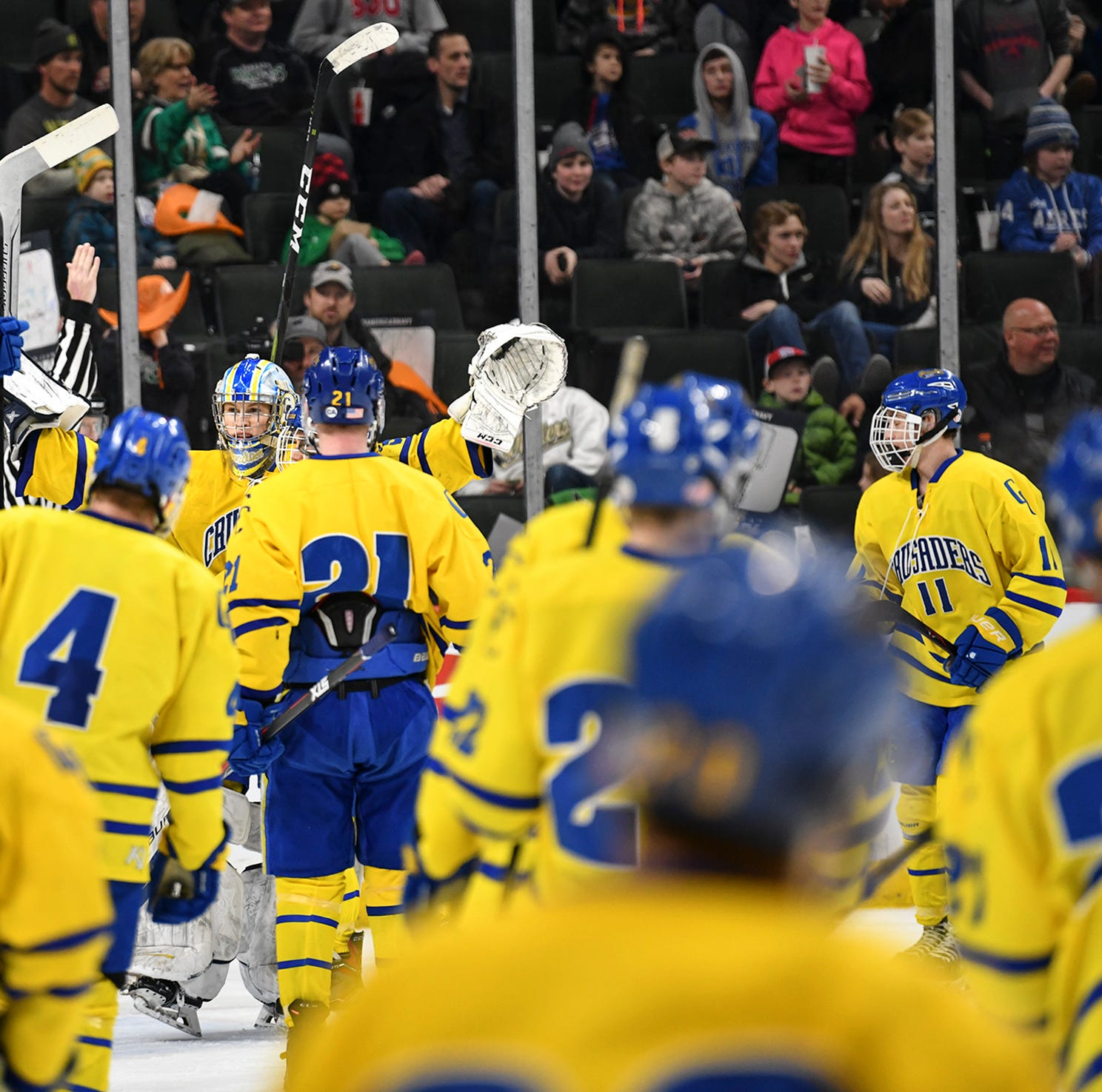 Live updates: Cathedral vs. Greenway in state championship hockey
