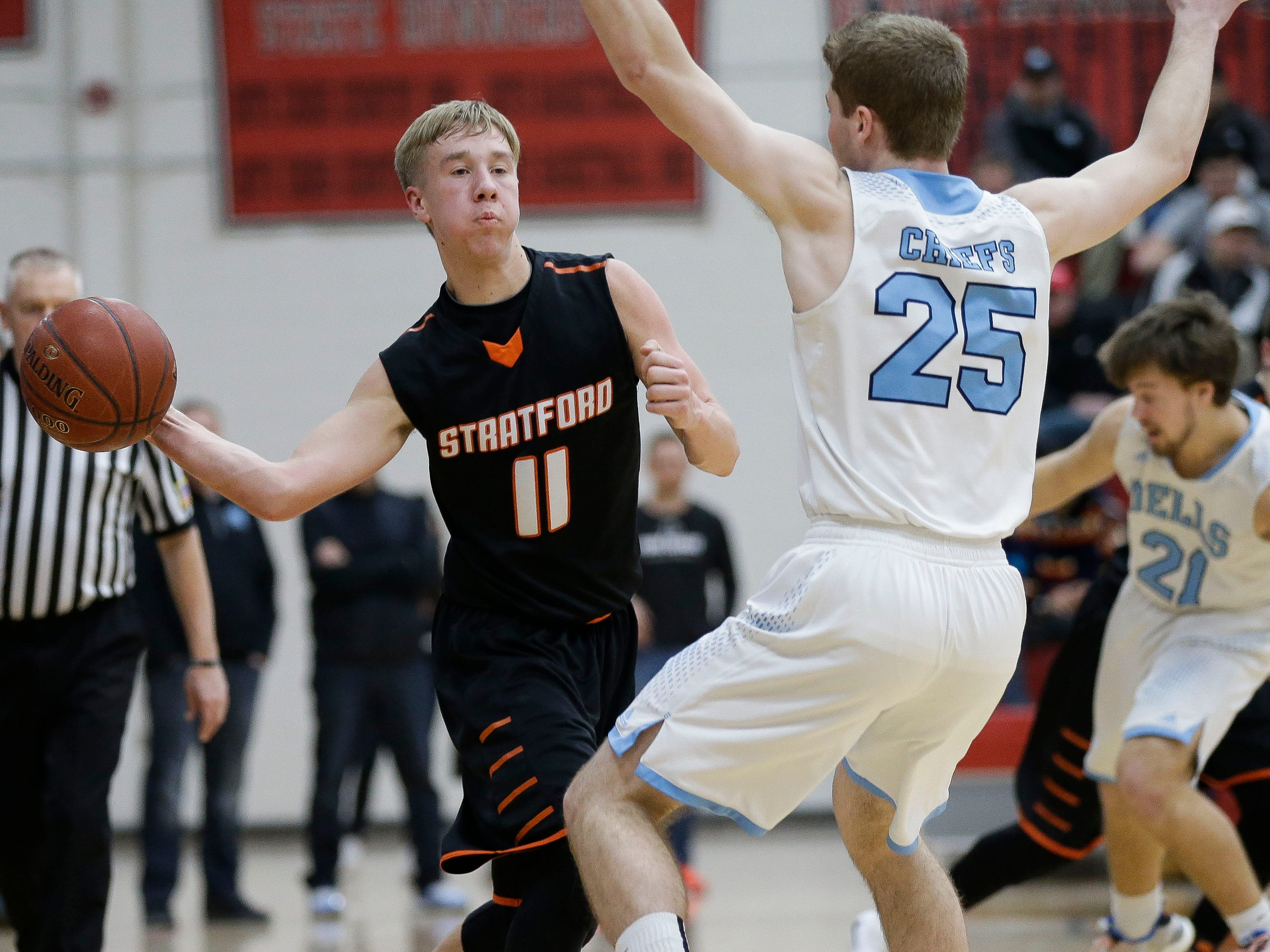 Stratford's Chandler Schmidt (11) passes the ball against Wisconsin Dells in a Division 3 sectional semifinal on Thursday, March 7, 2019, at Stevens Point Area High School in Stevens Point, Wis. Tork Mason/USA TODAY NETWORK-Wisconsin