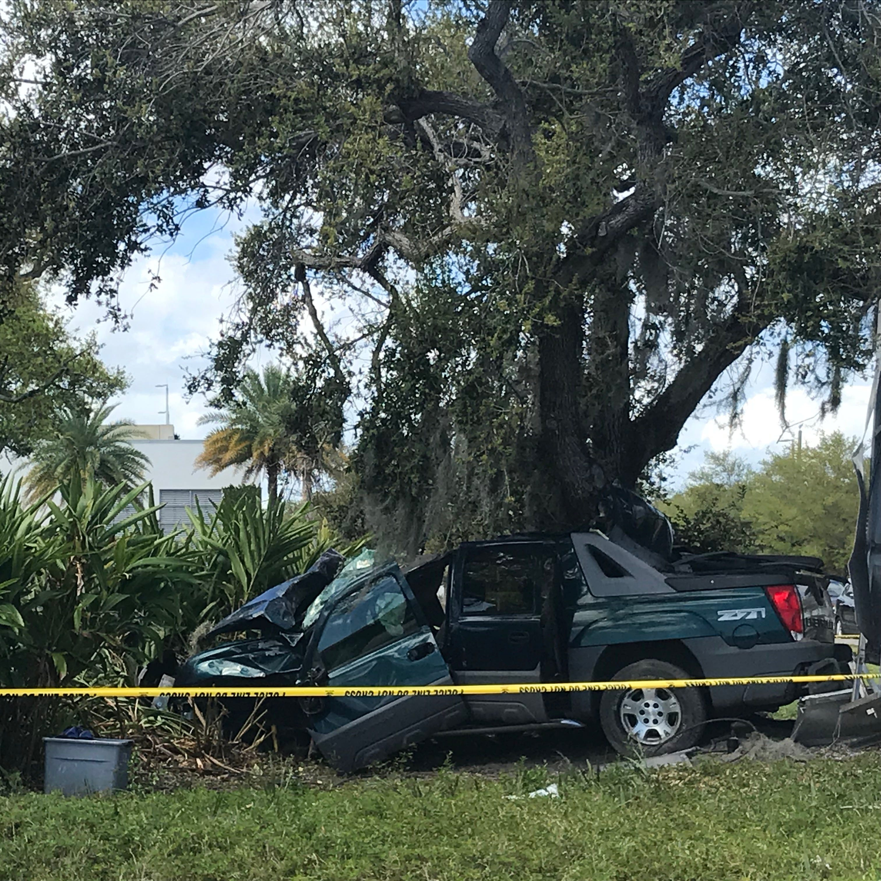 Man killed in single-vehicle crash on Indian River Boulevard, Vero Beach police say