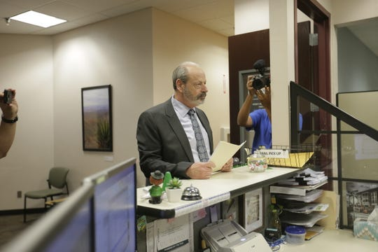 Former El Paso mayor Oscar Leeser files campaign treasurer for 2020 elections.