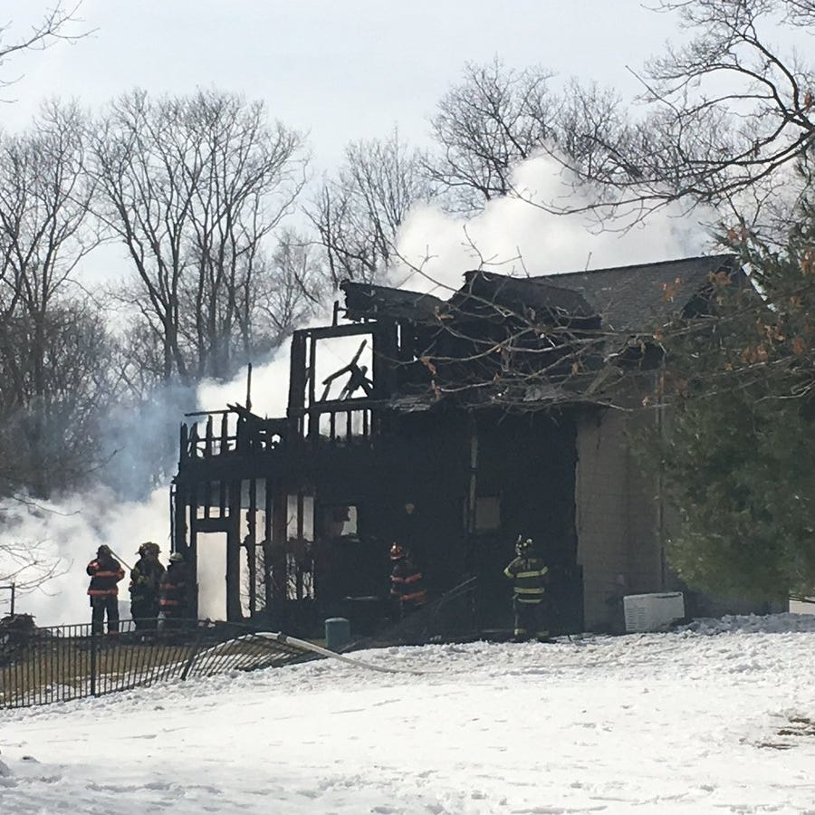 Fire breaks out in Tomkins Cove house