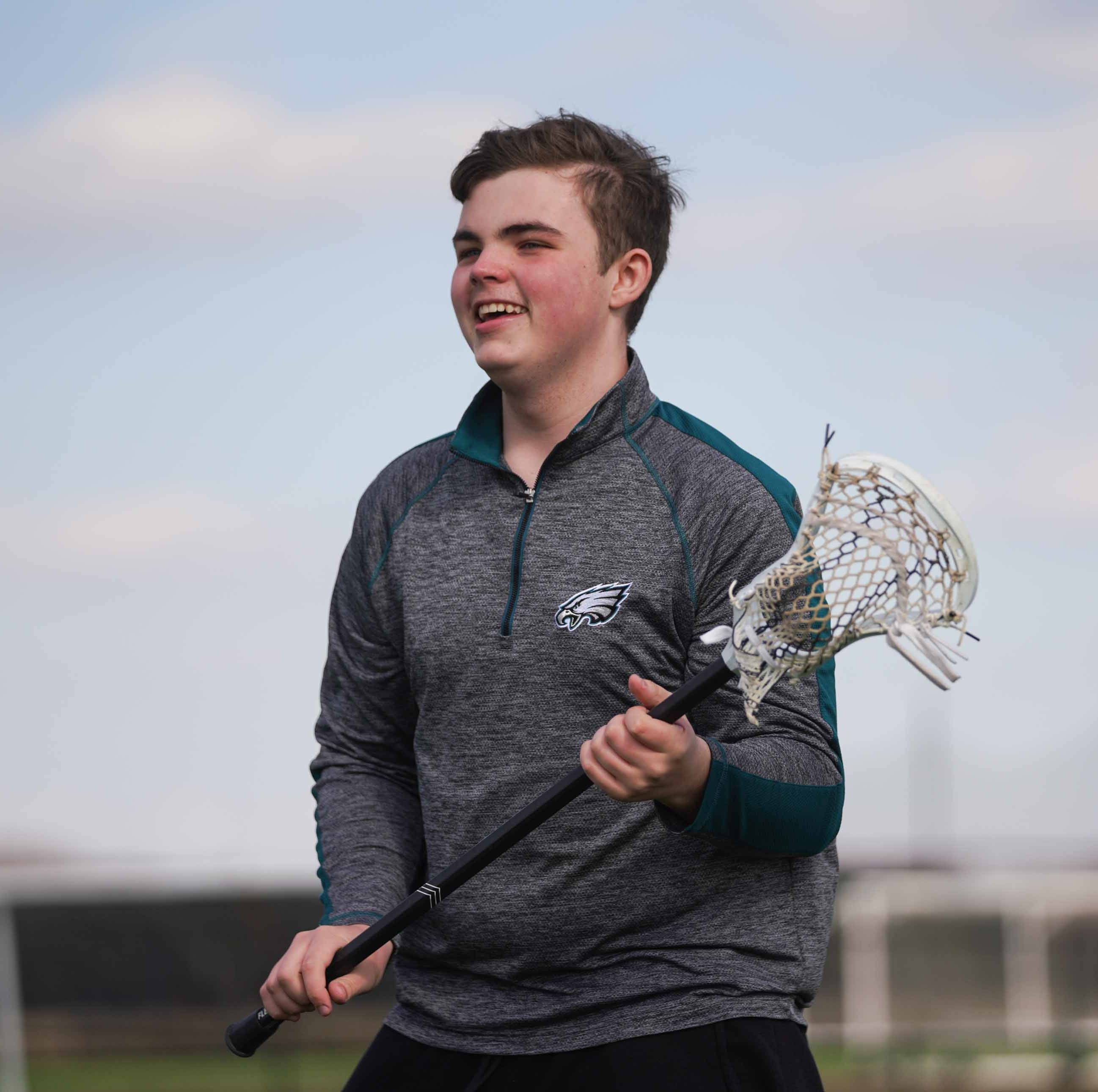 Delaware lacrosse player can't play because no approved helmet fits him