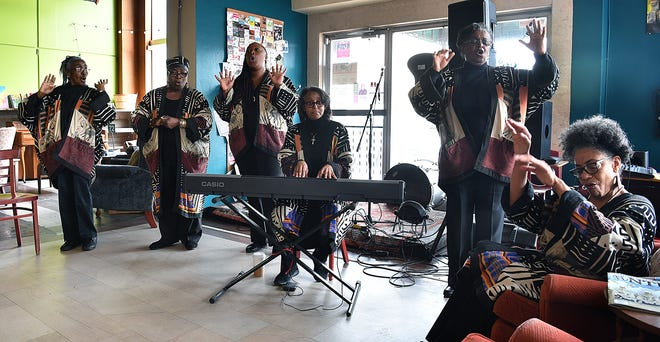 Performing arts ensemble New Arts Six presented a mini pop-up performance Friday morning at the 8th St. Coffee House to preview their full concert which is Friday night at 7:30 p.m. at First Presbyterian Church.