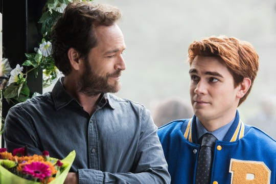 Why Luke Perry's final 'Riverdale' appearance was vintage Fred Andrews