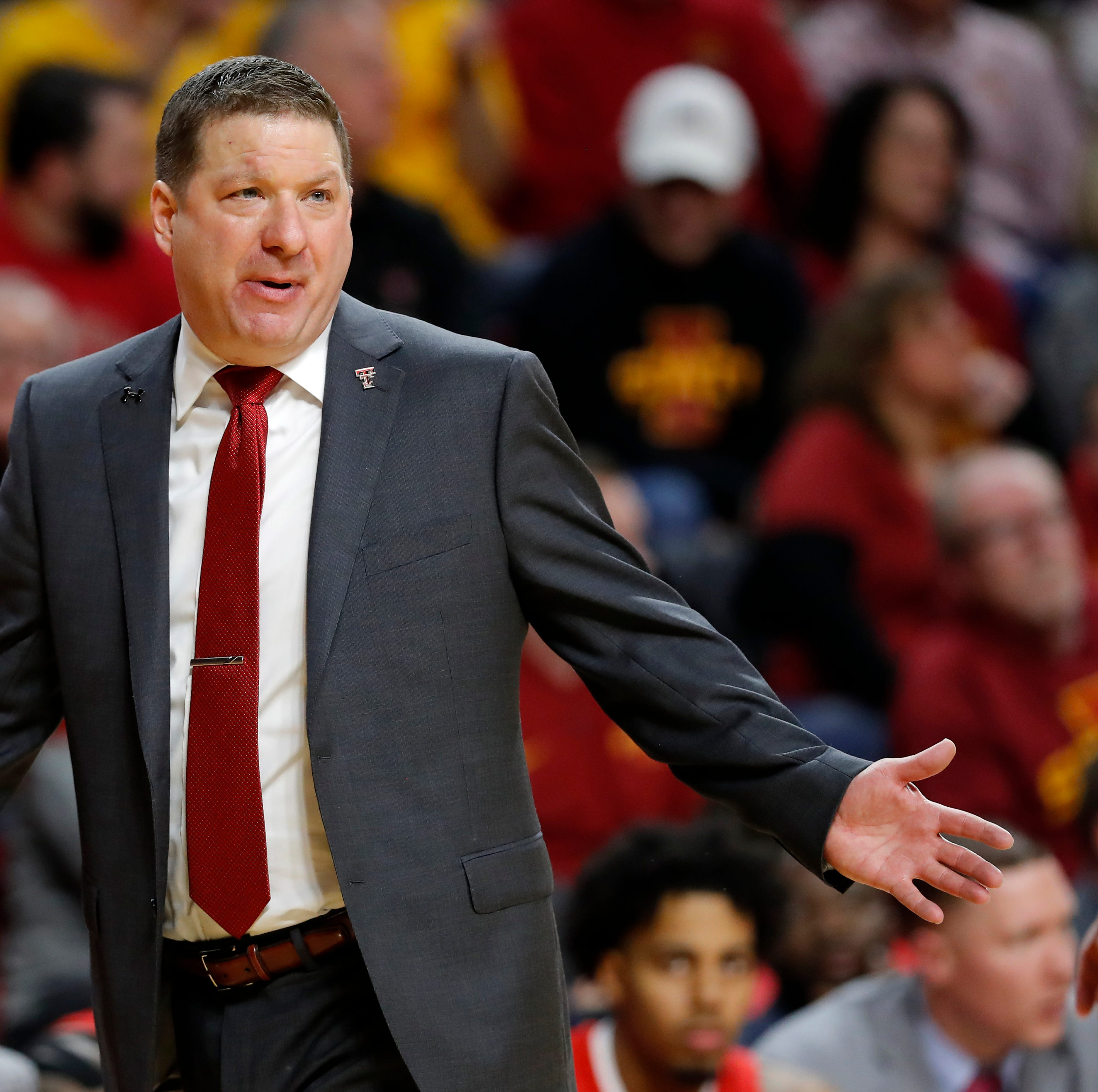 Bob Knight thrilled by protege Chris Beard's success at Texas Tech