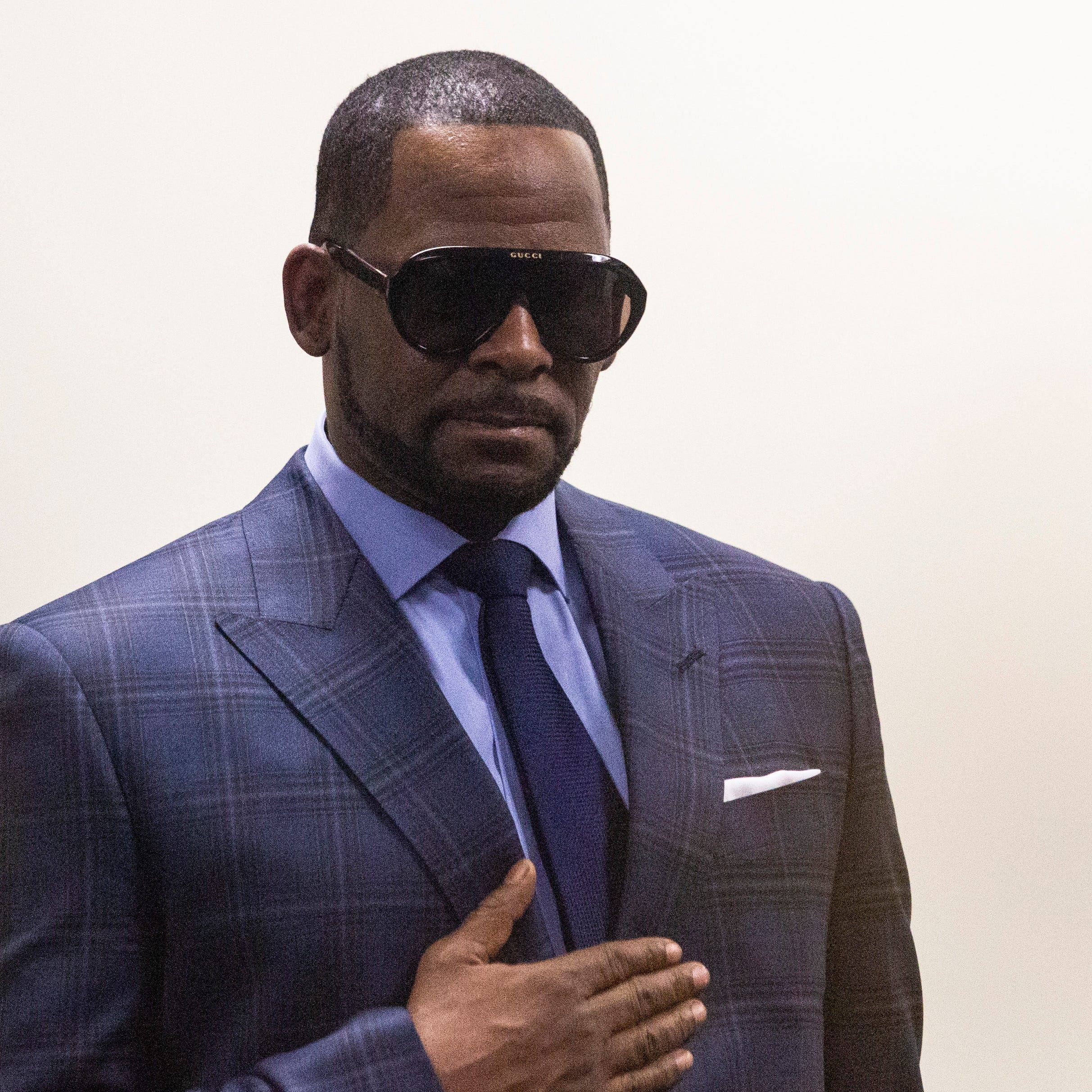 Accuser: R. Kelly 'needs to stop playing the victim'