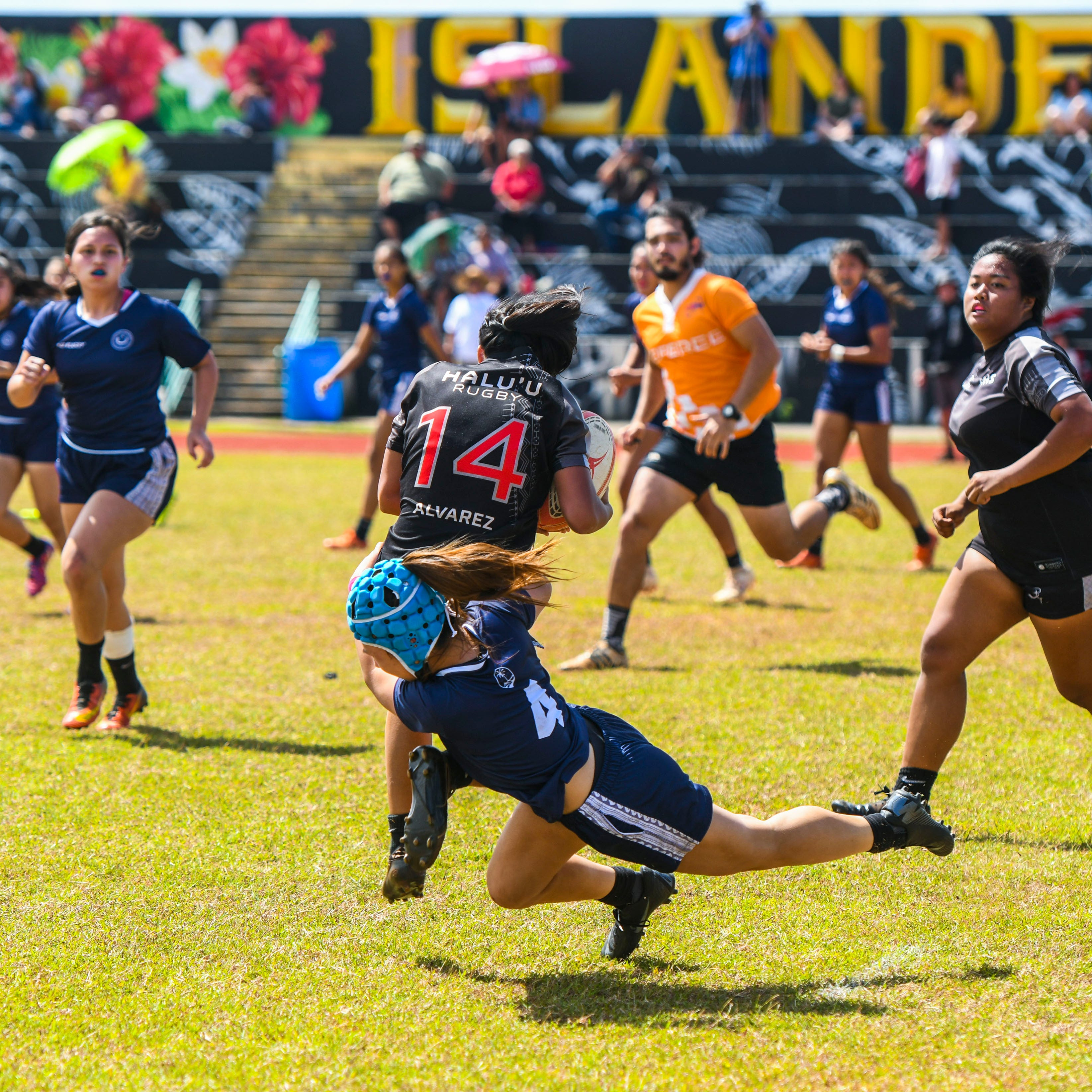 Royals remain undefeated in girls rugby, GW in second