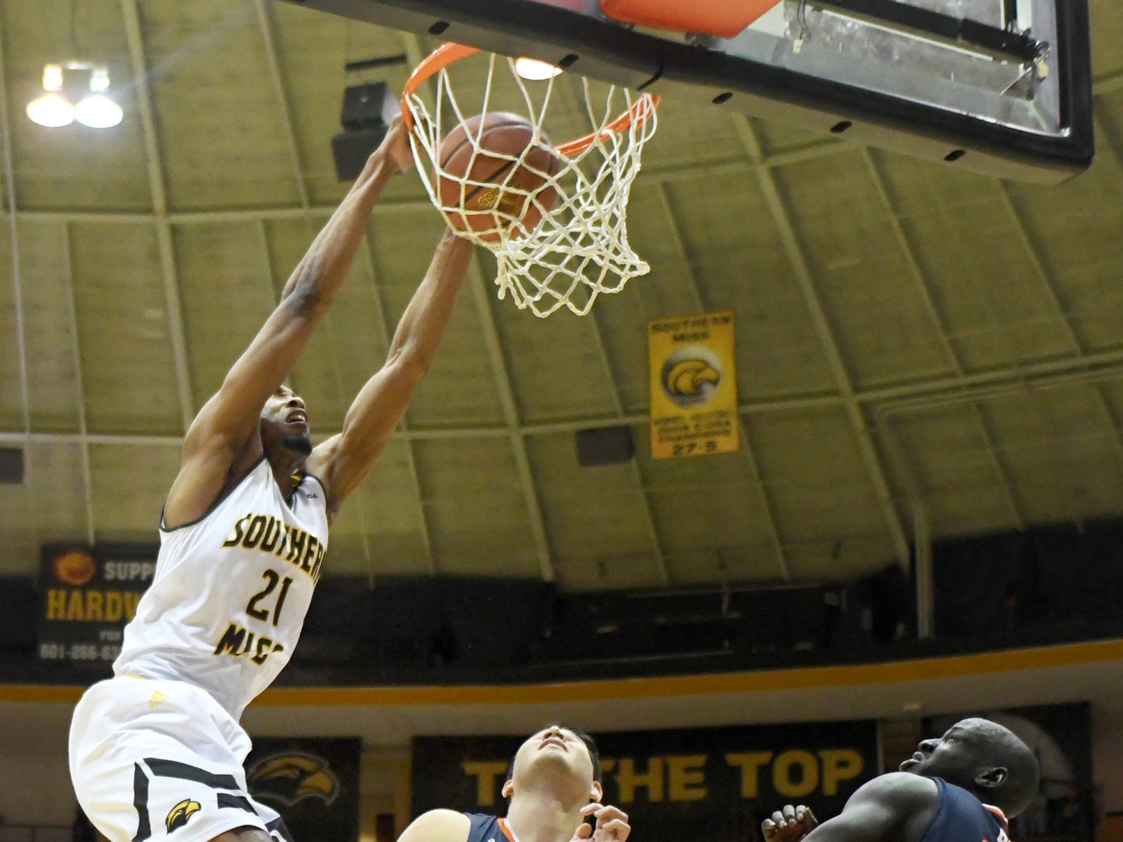 Southern Miss guard Anfernee Hampton dunks the ball in a game against UTSA in Reed Green Coliseum on Saturday, March 9, 2019.