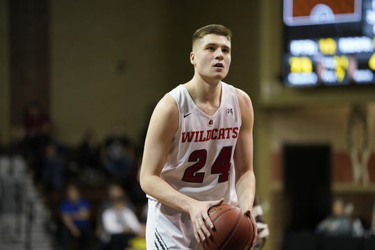 Kyle Mangas hit a game-winning 3-pointer in the NAIA tournament Friday.