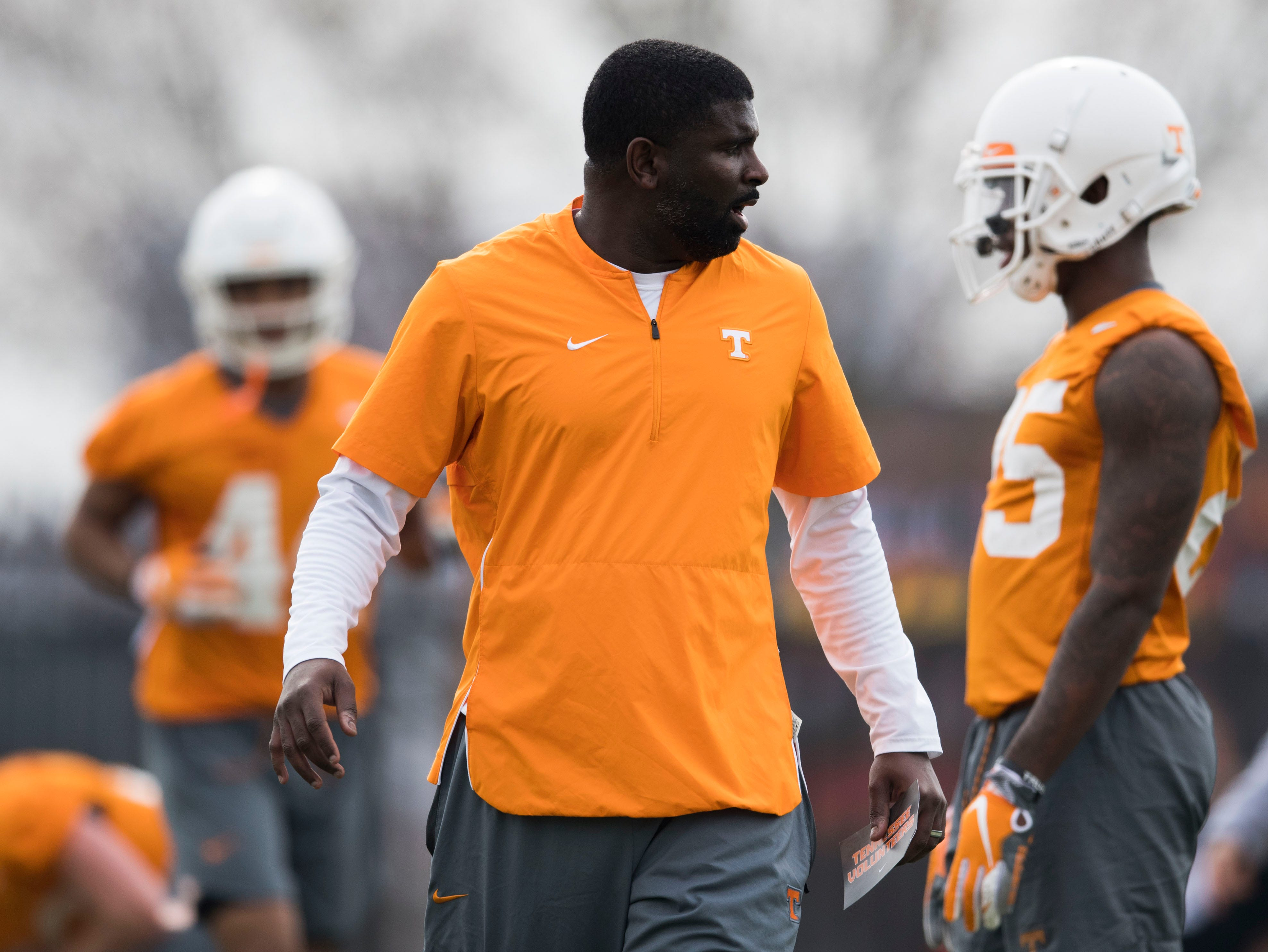 Defensive coordinator Derrick Ansley coaches during a Tennessee Vols football spring practice Saturday, March 9, 2019.