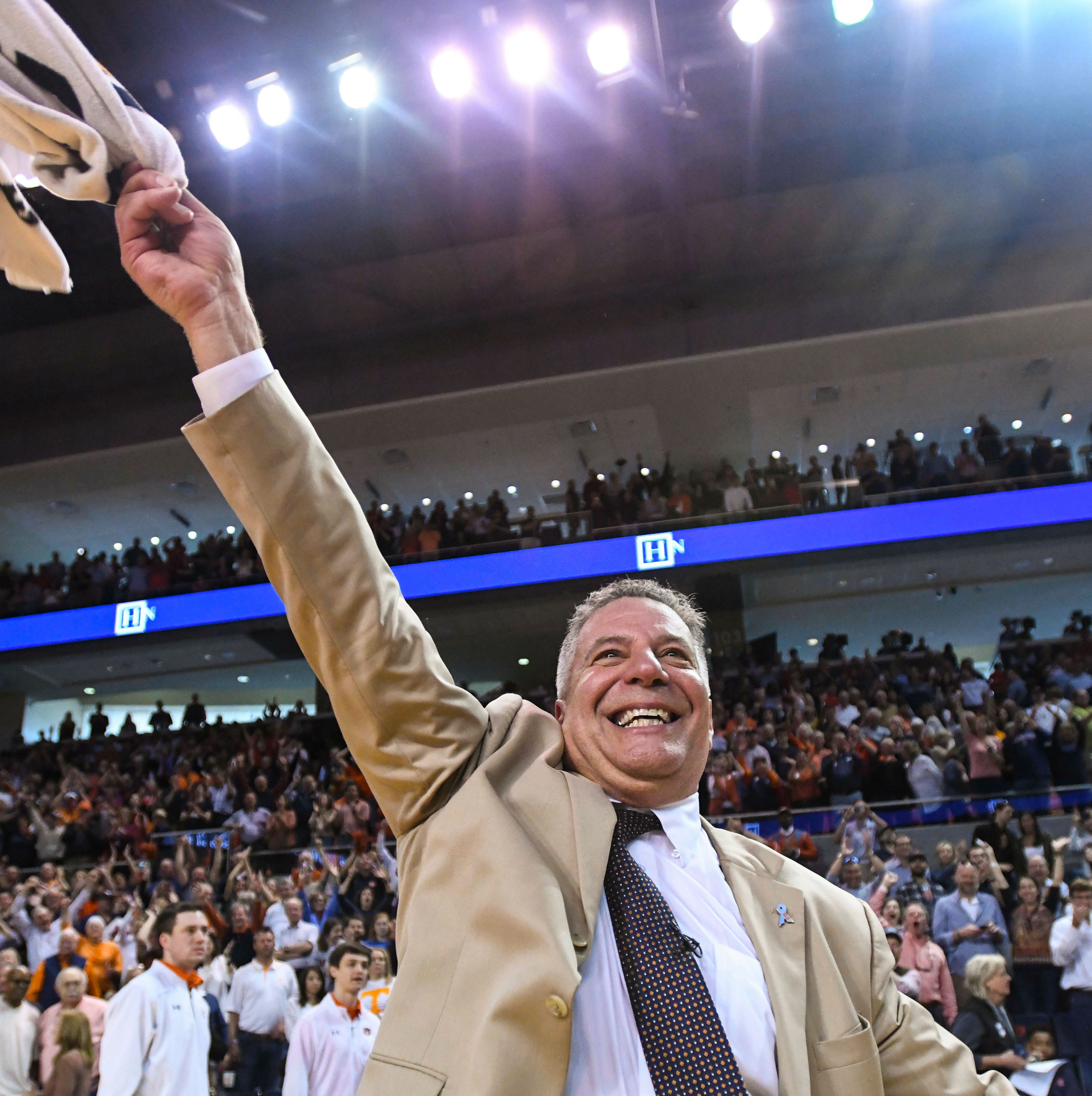 Bruce Pearl knows how to pull off an upset, but this time it's at Tennessee's expense