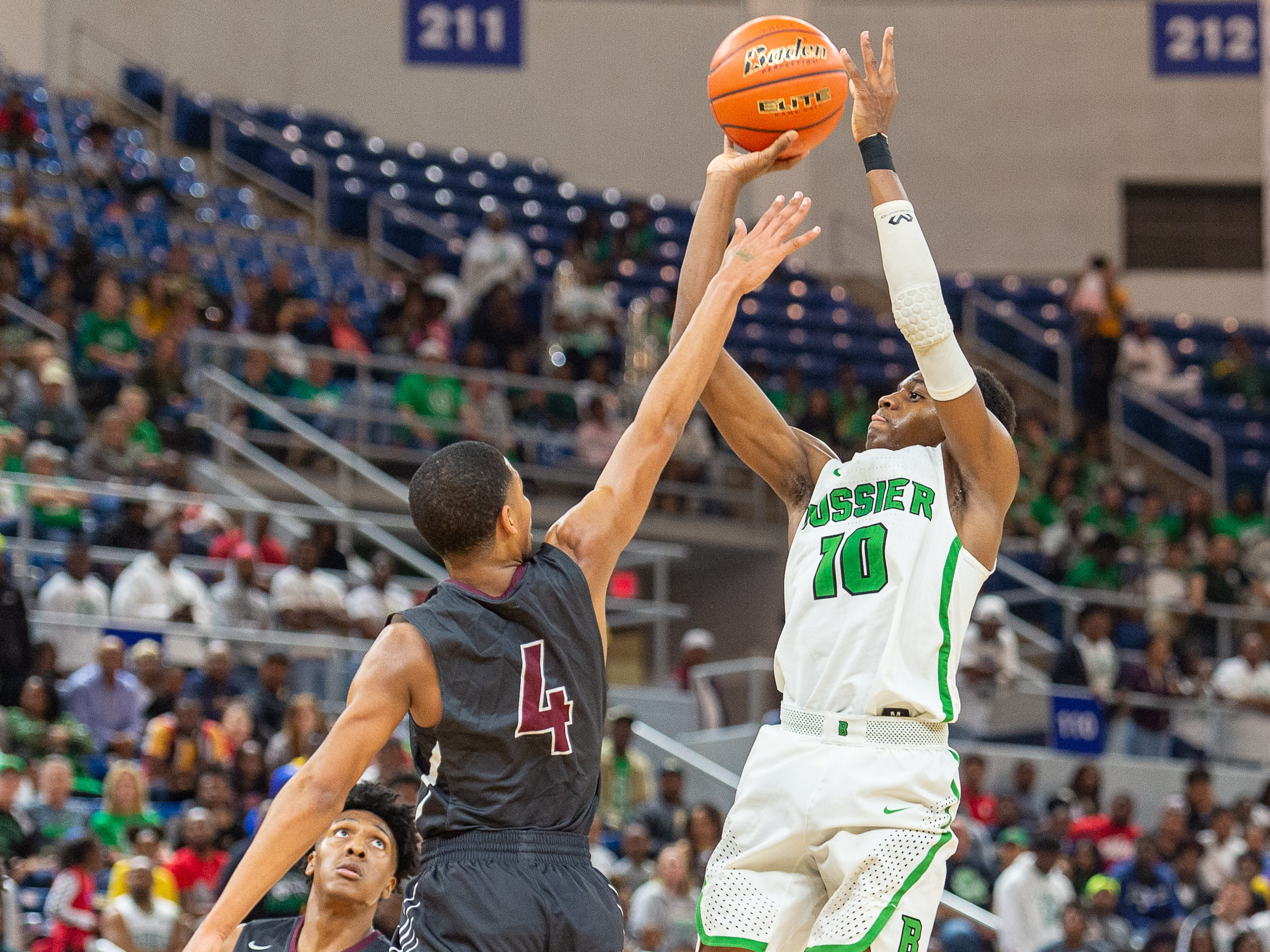 Kaalas Roots takes a shot as Breaux Bridge takes on Bossier in the Allstate Sugar Bowl/LHSAA Boys' Marsh Madness State Championship. Friday, March 8, 2019.