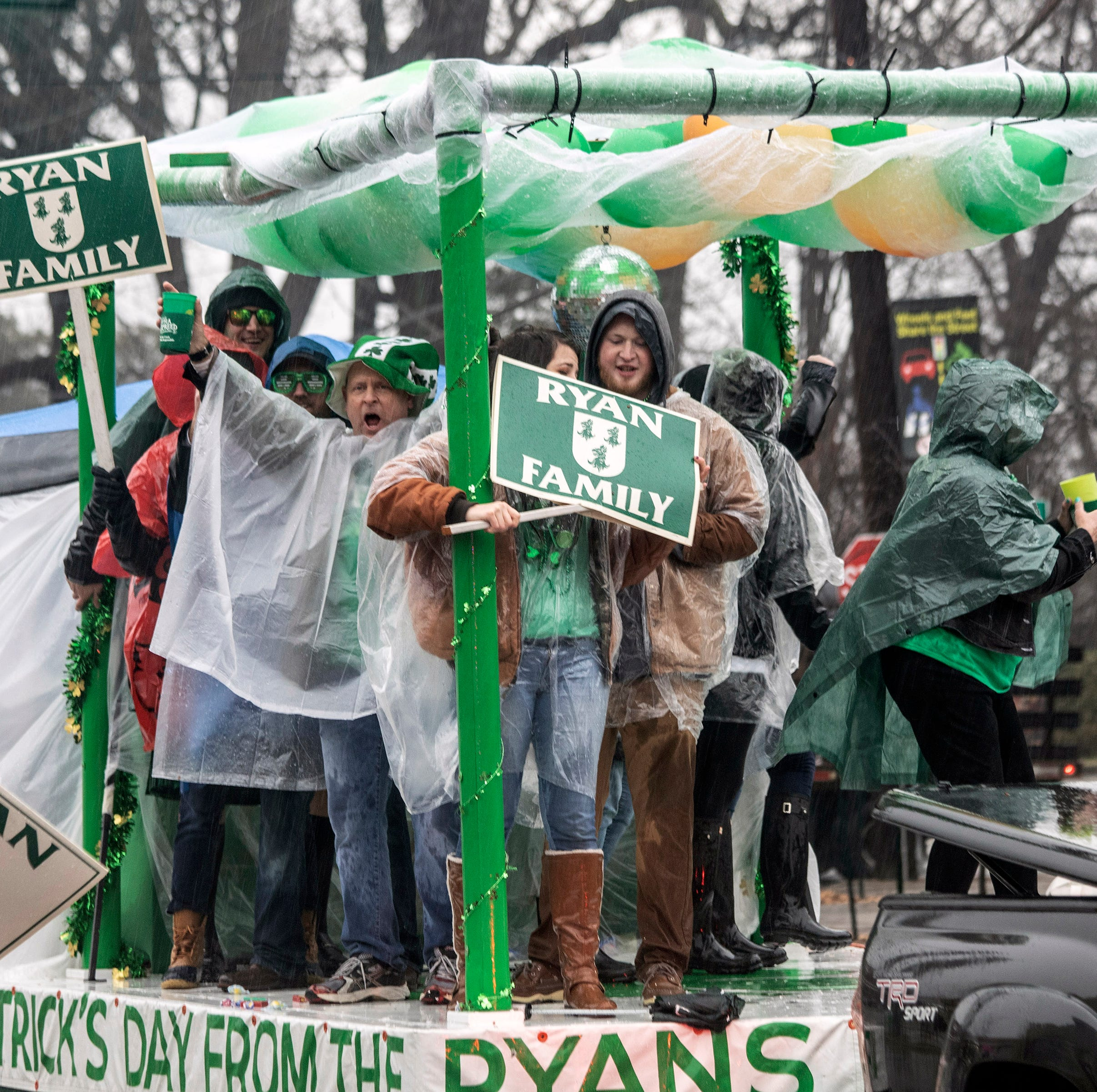 Weather doesn't dampen the 2019 St. Patrick's Parade in the Highlands