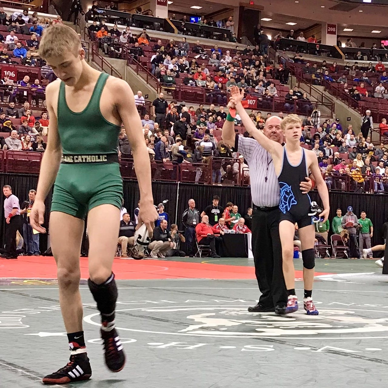 Becker wins title, plus Saturday state bowling, wrestling updates