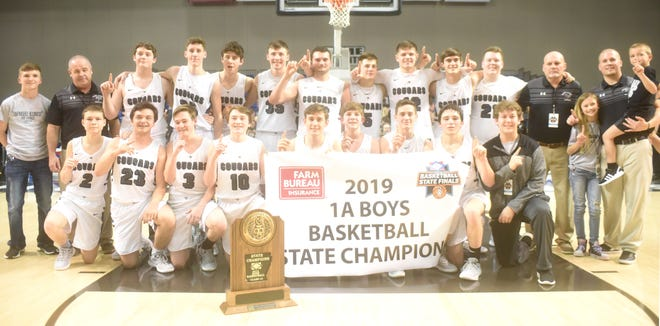 2018-19 Class 1A State champion Izard County Cougars