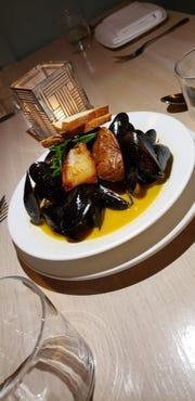 The mussels appetizer at Somos