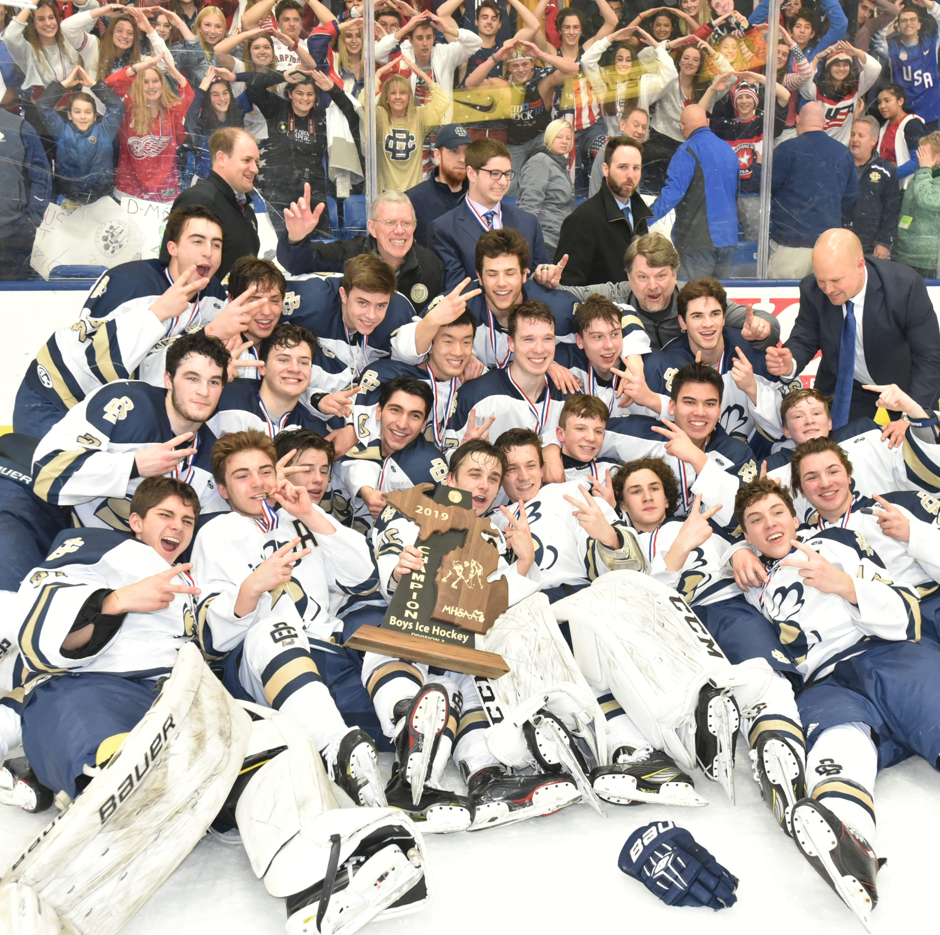 Detroit Country Day hockey wins second straight state championship, defeats Houghton