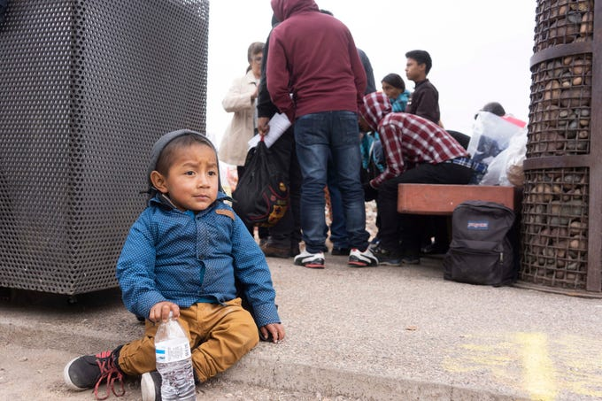 ICE drops off dozens of migrants at Greyhound bus station