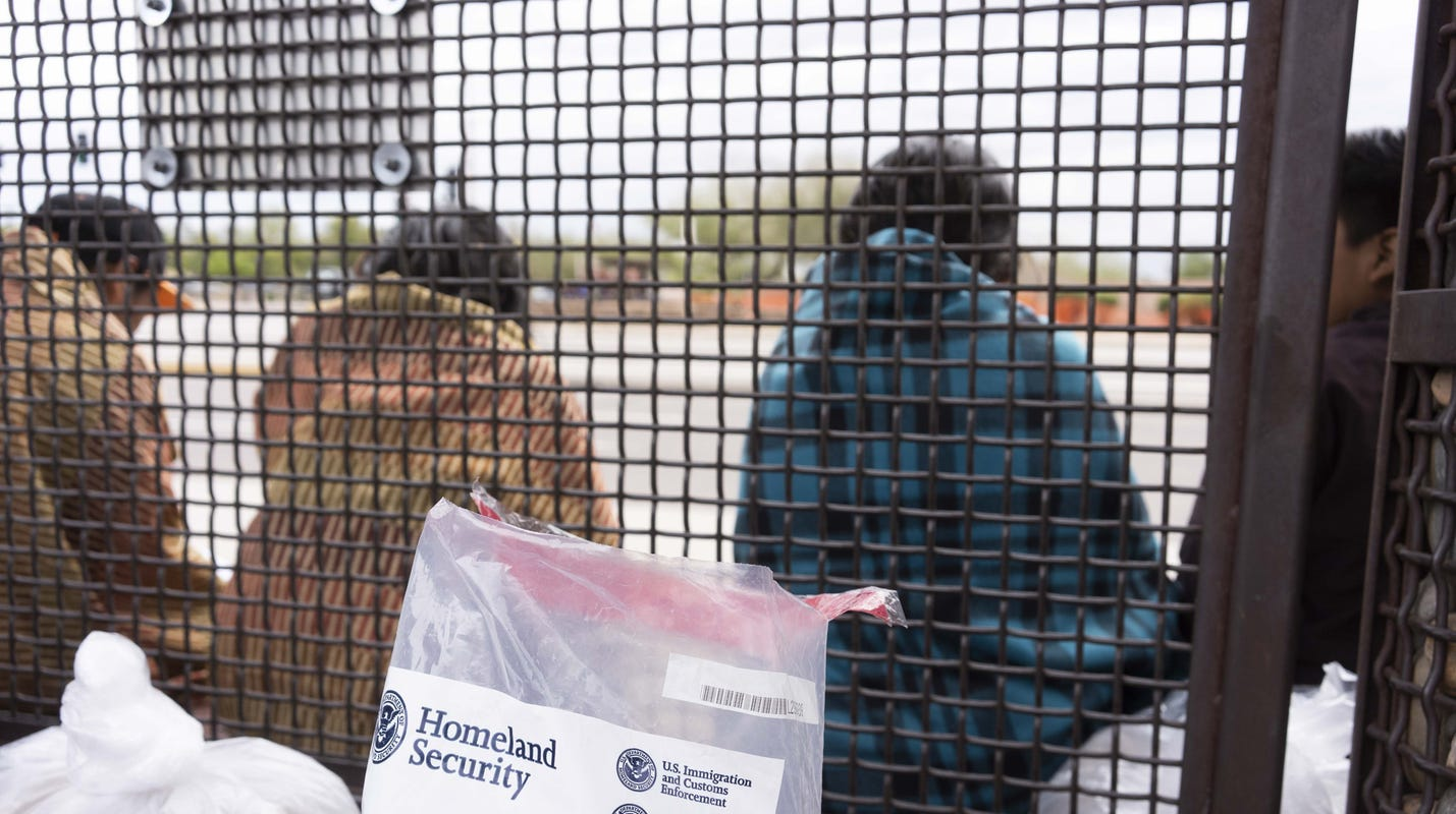 ICE reverses policy, says it will no longer drop off migrants at Phoenix bus stop