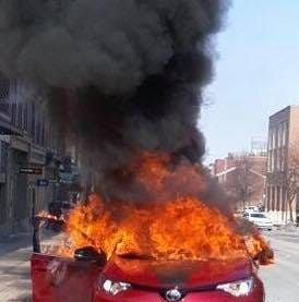 'Good Samaritans' pull man from burning car in York City