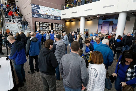 SIOUX FALLS, SD - MARCH 9: Fans file into the Denny Sanford PREMIER Center for the opening game of the 2019 Summit League Basketball Tournament in Sioux Falls. (Photo by Dick Carlson/Inertia)