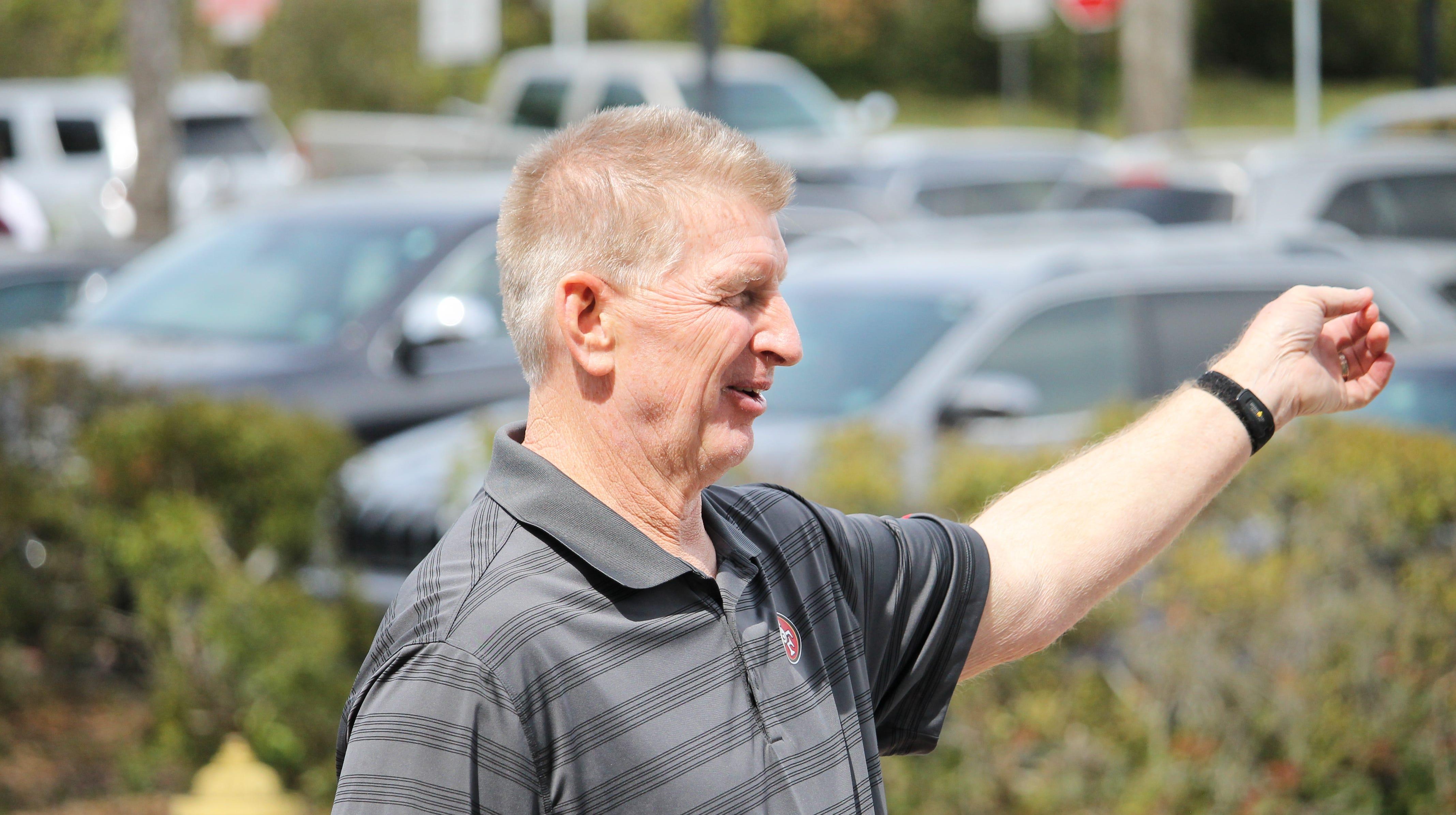 Former Oregon defensive coordinator Jim Leavitt visiting Florida State