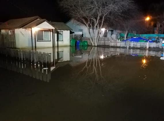BREAKING: Friant-Kern Canal spills over, Strathmore residents urged to evacuate.