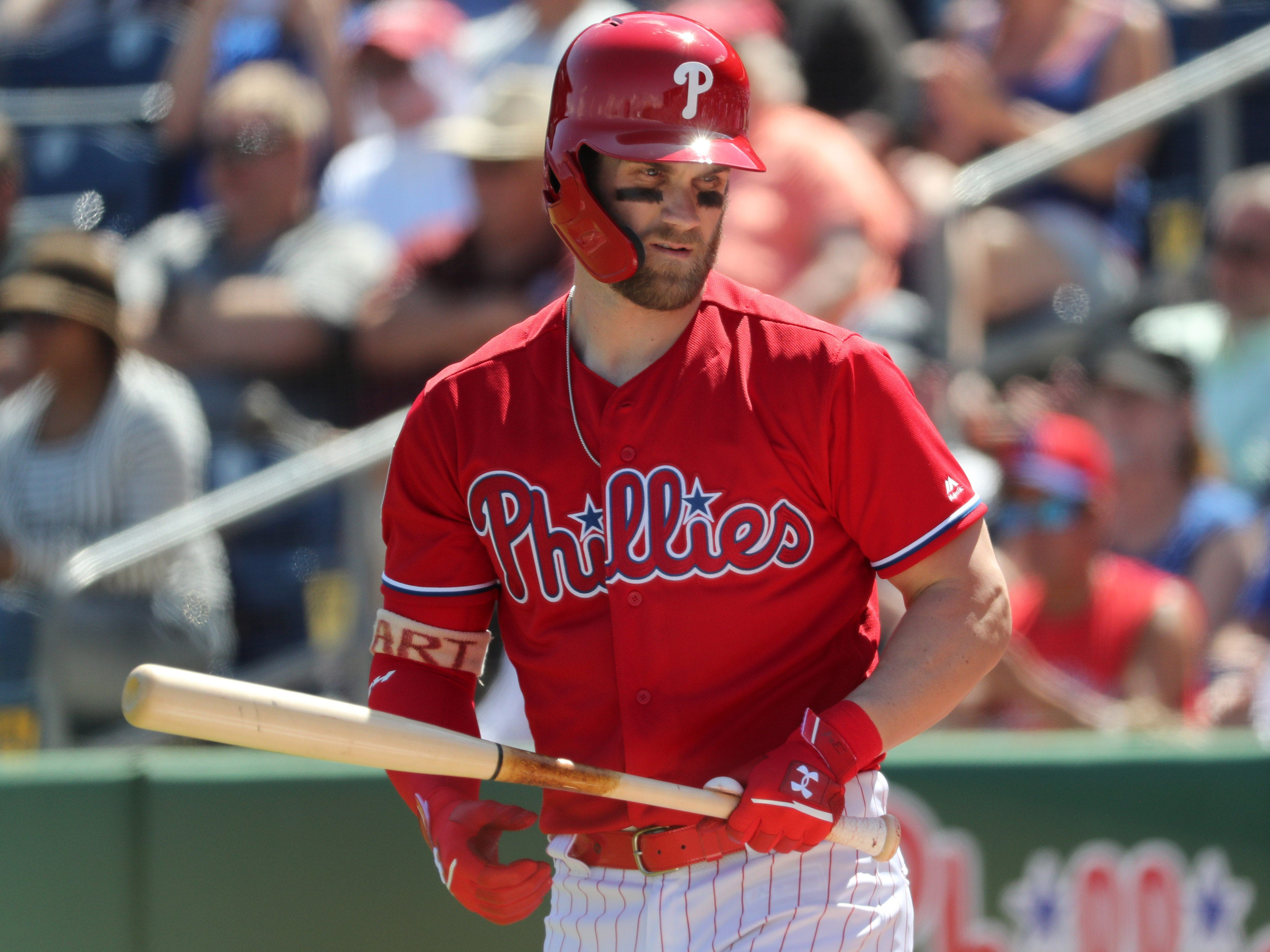 Opinion: In his spring debut, Bryce Harper already sees how much Phillies mean to fanbase