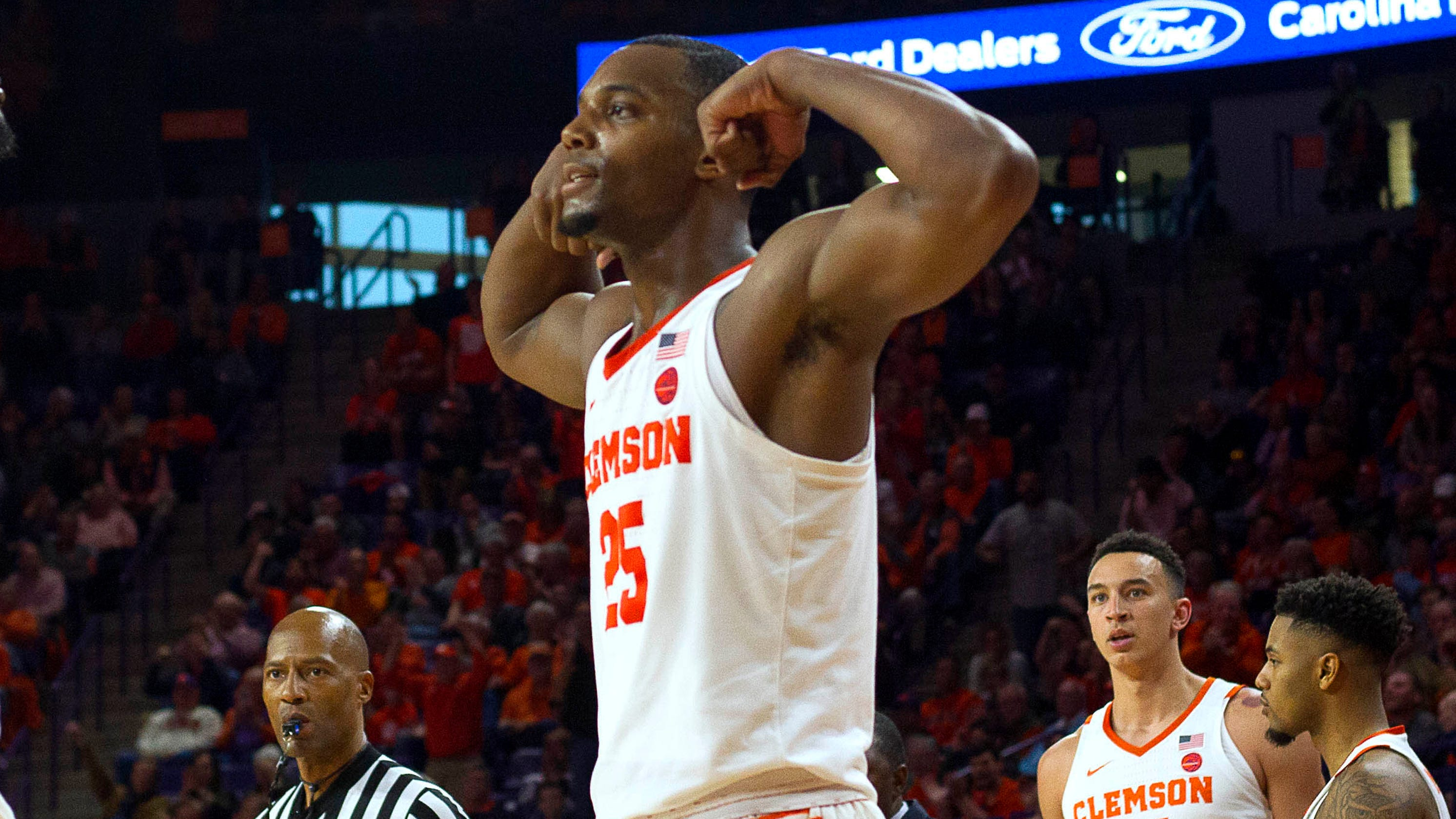 NCAA tournament bubble watch: College basketball winners, losers