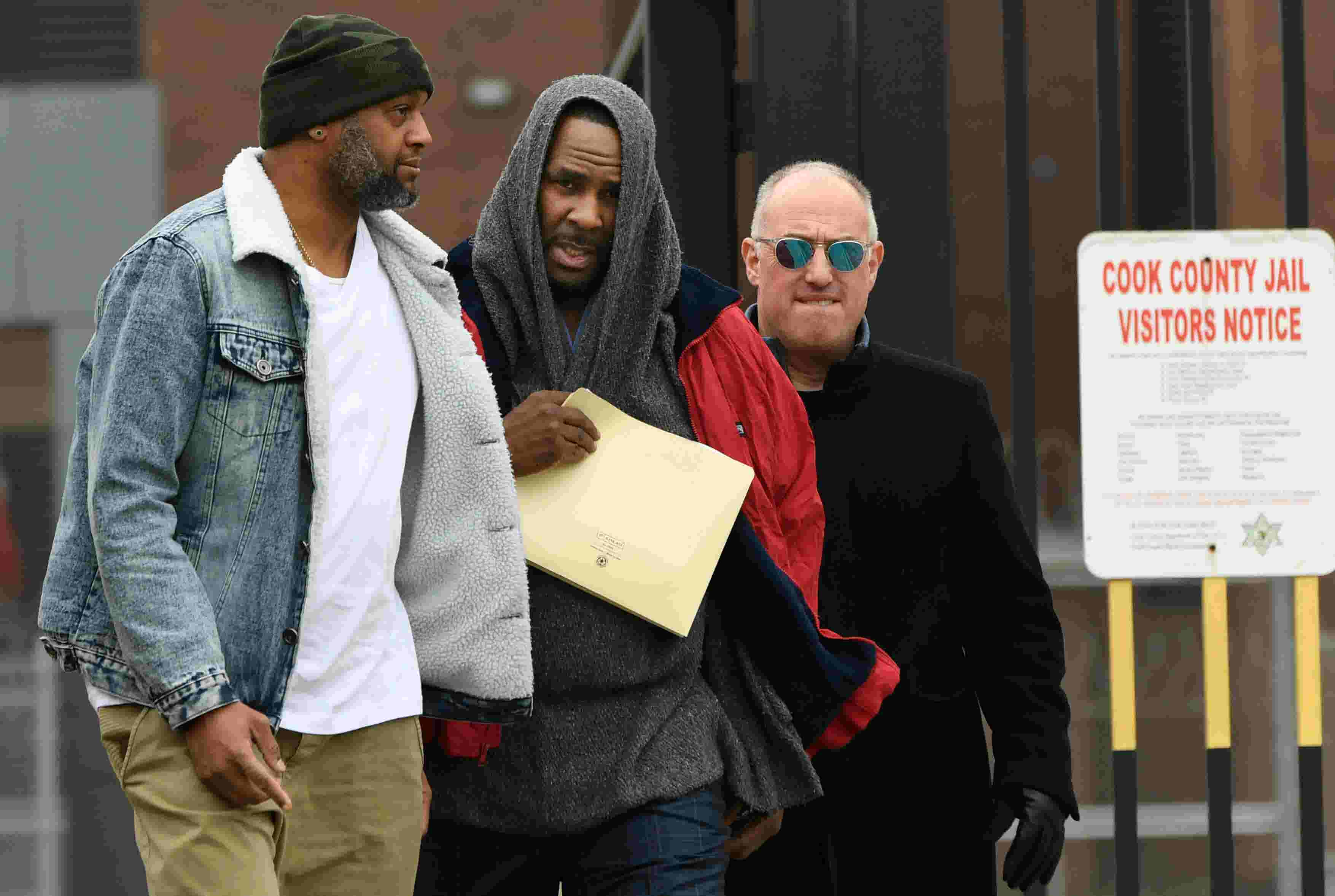 R  Kelly released from jail