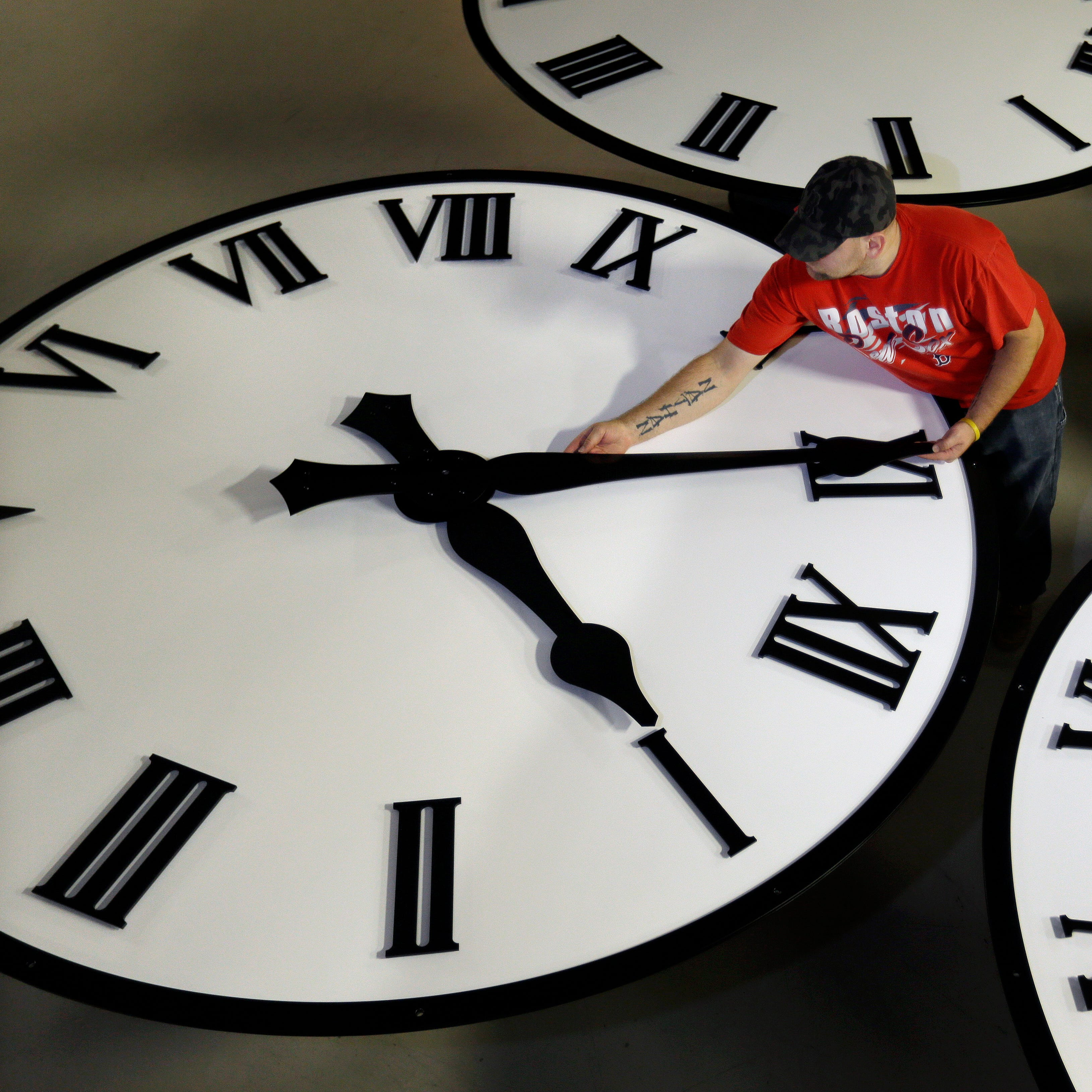 Texans could see the end of Daylight Saving Time, no more changing the clocks