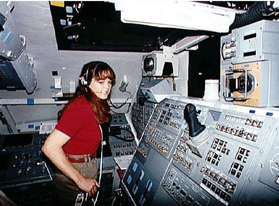 Tamara Jernigan became the fifth woman to walk in space on May 30, 1990.