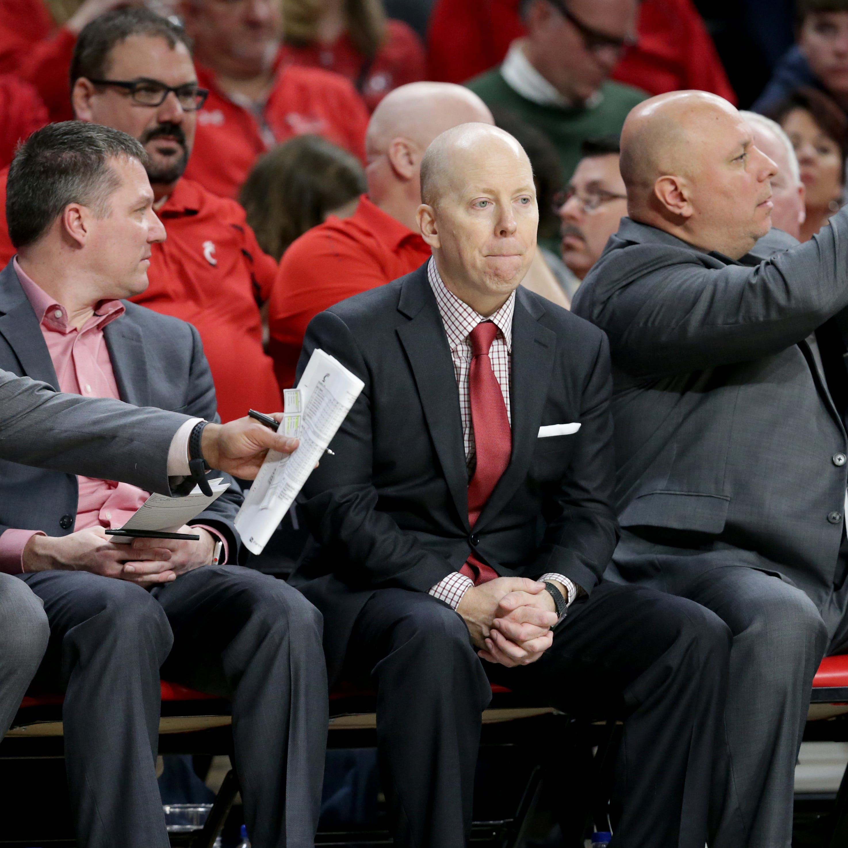 Paul Daugherty: What is going through Mick Cronin's mind after back-to-back Bearcat losses?