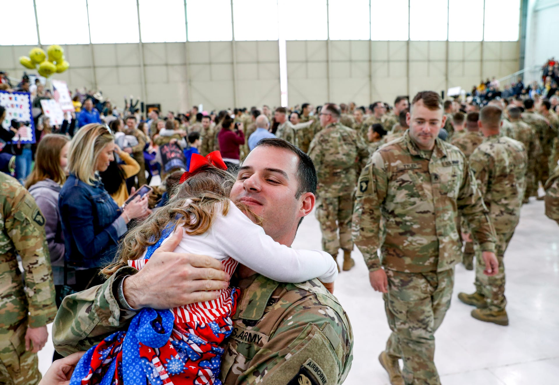 227 soldiers from 101st Airborne Division return home to
