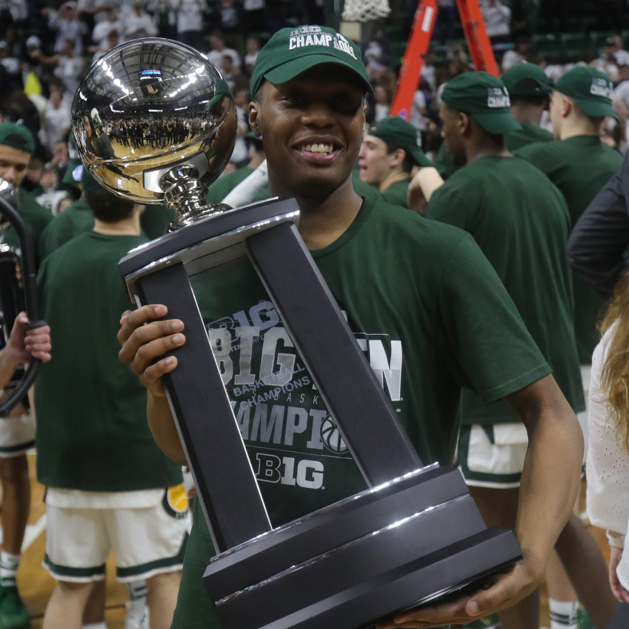 Michigan State's Cassius Winston dazzles again, no-brainer for Big Ten POY