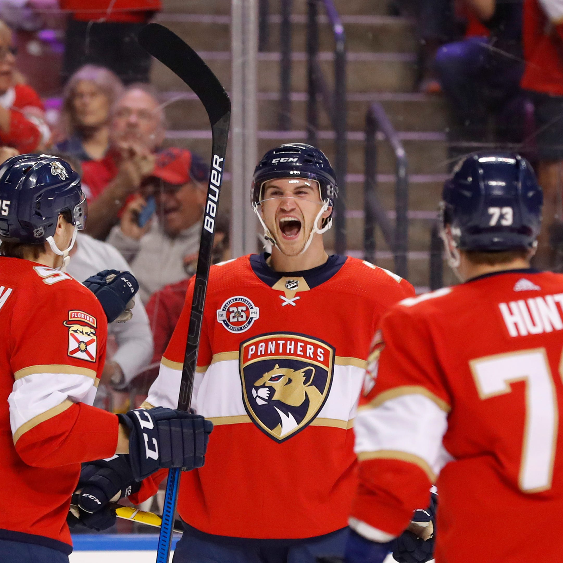 Panthers score early, often against hapless Red Wings