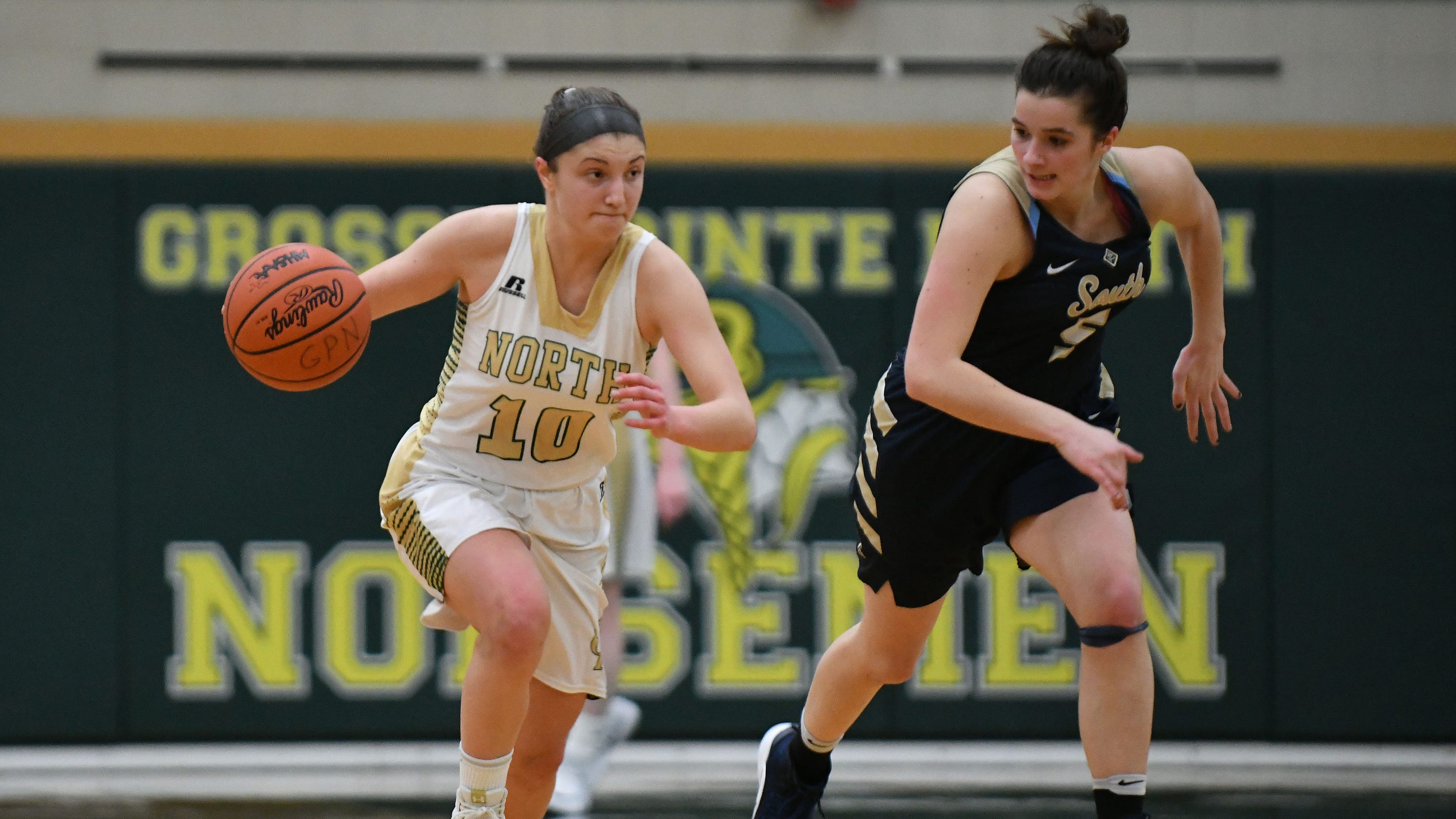 Girls basketball state tournament: Monday's regional ...