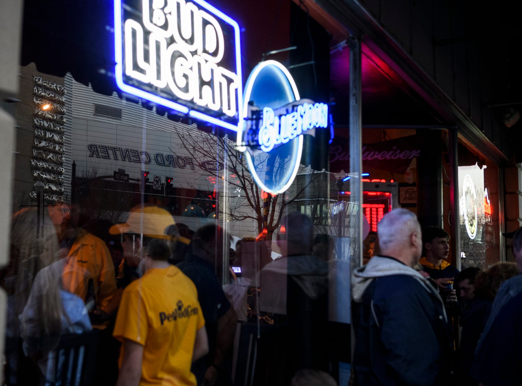 Murray State University Racers fans fill Backstage Bar & Grill before the Murray State University Racers take on the Belmont University Bruins in the Ohio Valley Conference men's basketball championship at Ford Center in downtown Evansville, Ind., Saturday, March 9, 2019.