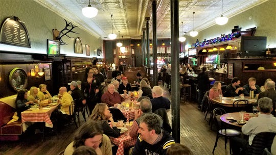 A busy Friday night at Smitty's Italian Steakhouse.