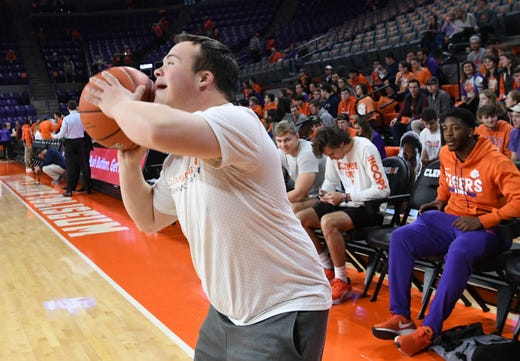 Clemson Basketball Beats Syracuse, Strengthens March