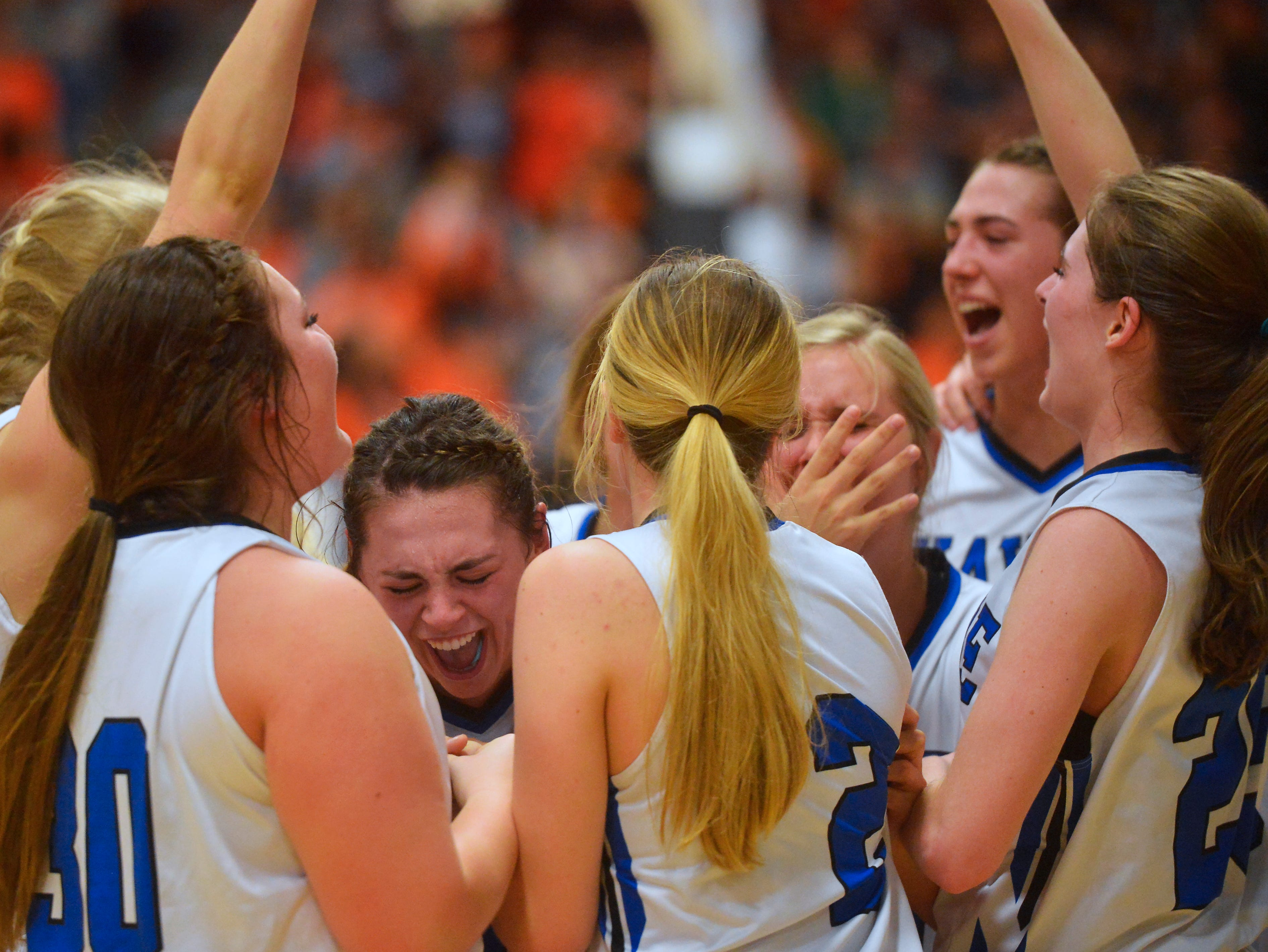 Havre and Hardin girls play in the title game of the State Class A Basketball Tournament in the Four Seasons Arena, Saturday.