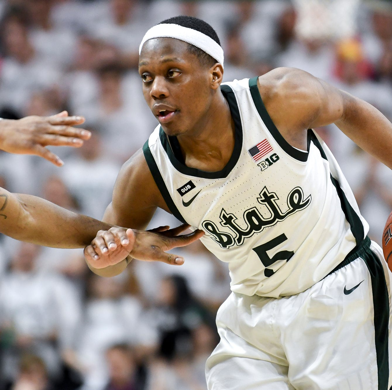 Michigan State basketball's Cassius Winston 'used to think the power was in the headband'
