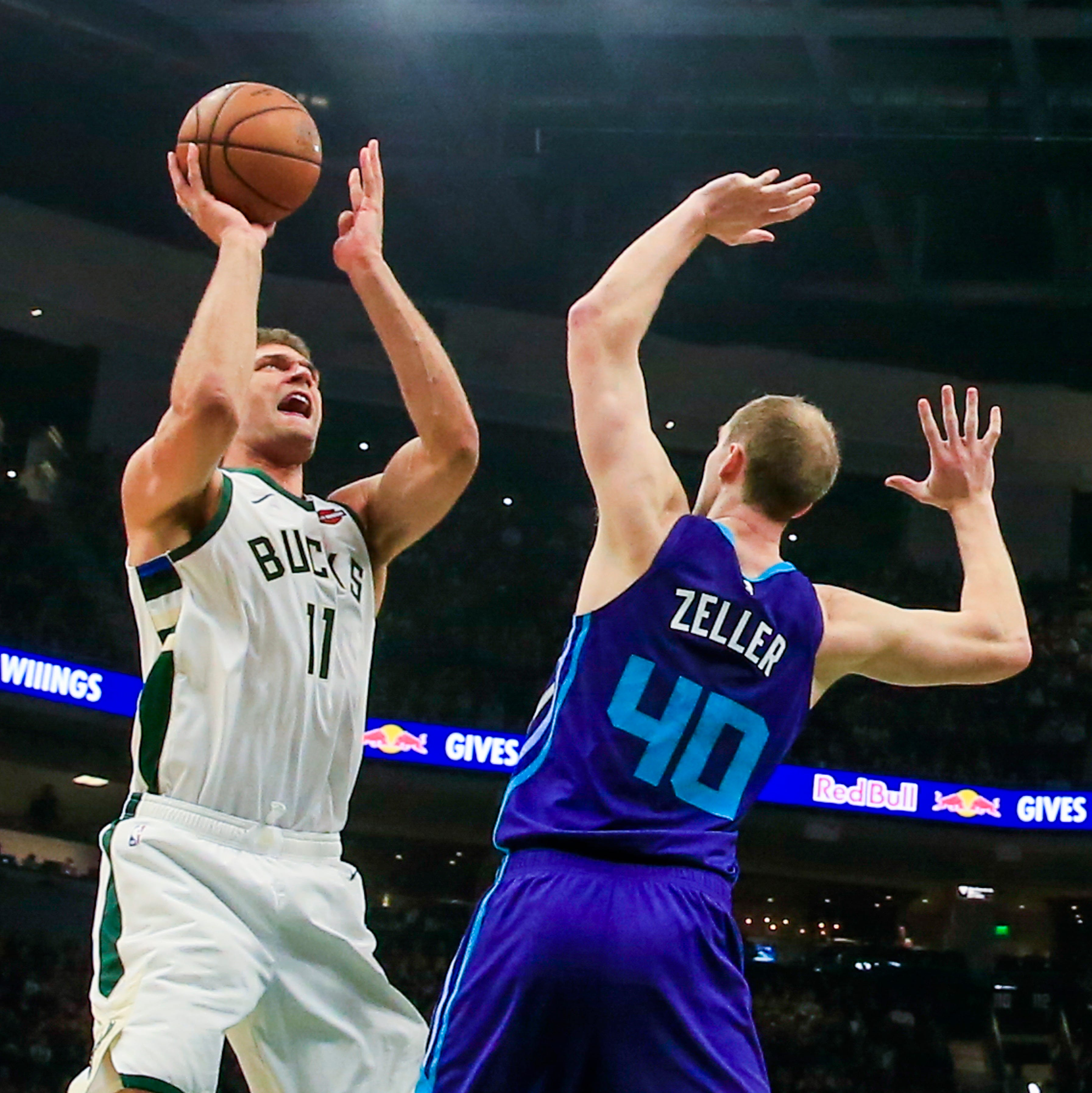 Bucks 131, Hornets 114: Lopez shows off his old moves to get Milwaukee rolling